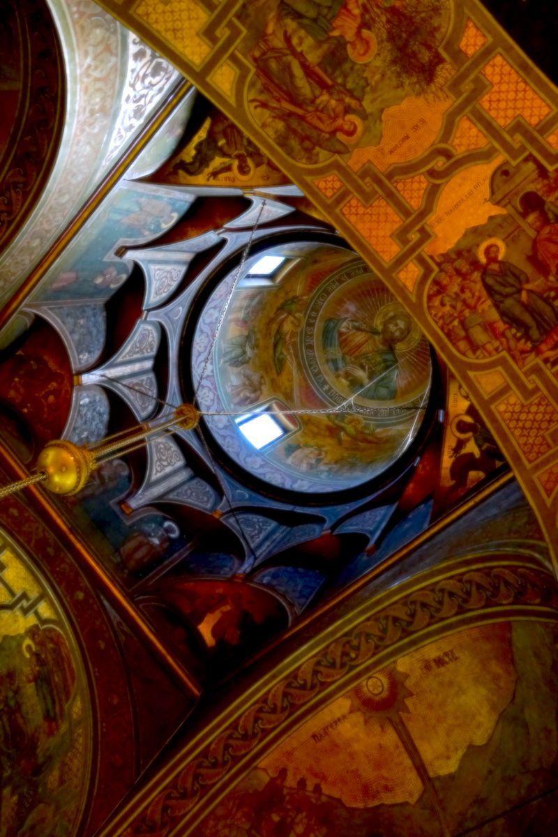 Una pequeña muestra del interior del monasterio de Sinaia