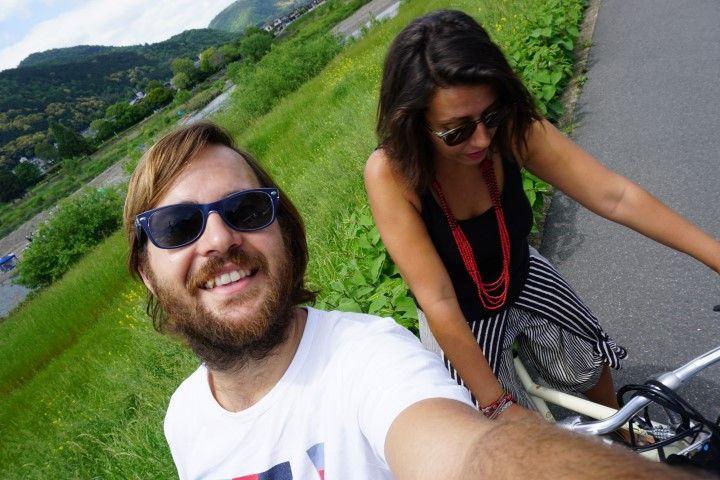 Inês y Chris en bici por Kioto.