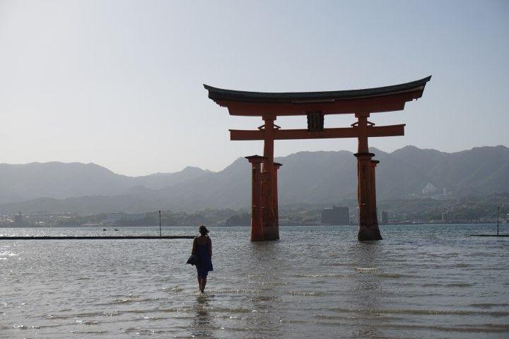 Inês, en Miyajima, cuando la marea empezaba a llenarse.