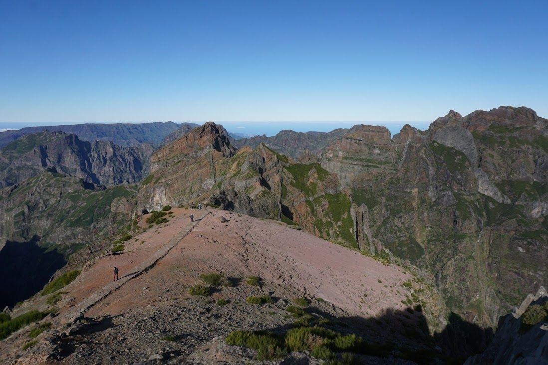Inicio del camino que une Pico do Arieiro al Pico Ruivo