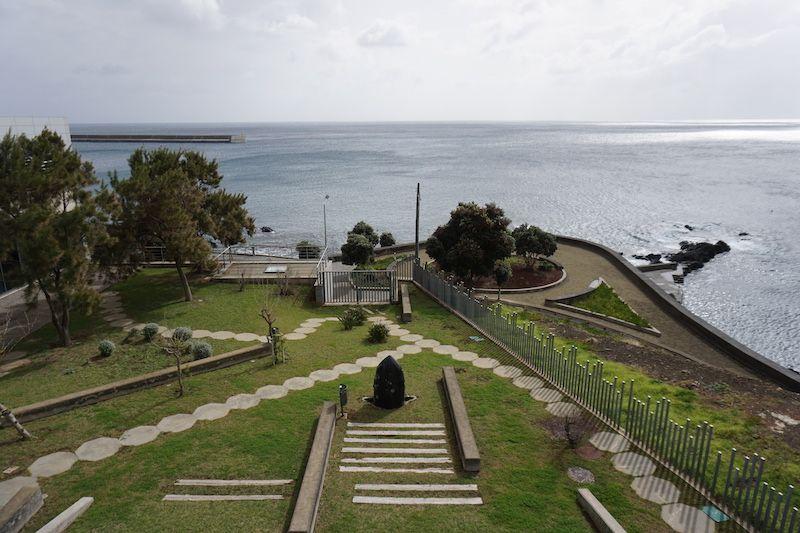 Vistas del Museo de la Ballena, el restaurante Muralhas queda a la izquierda.