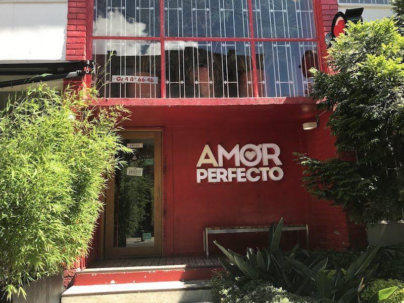 La entrada al Amor Perfecto