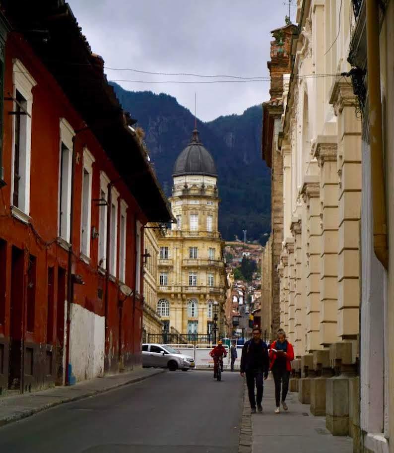 Una de las calles del centro de Bogotá