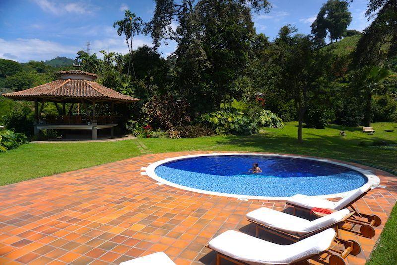La piscina de la hacienda donde dimos unos buenos chapuzones por la mañana