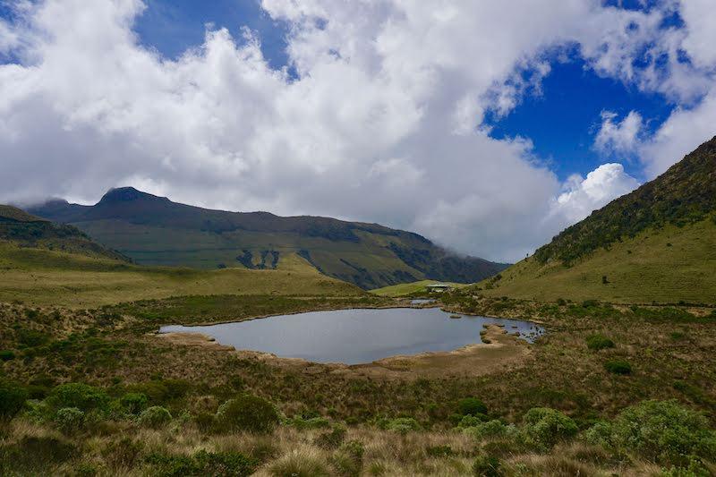 La laguna negra en el Nevado Ruiz