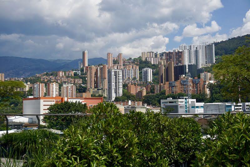 Vistas de Medellín desde el 5º piso del MAMM