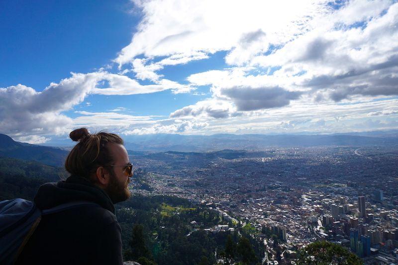 Chris en el impresionante mirador de Monserrate