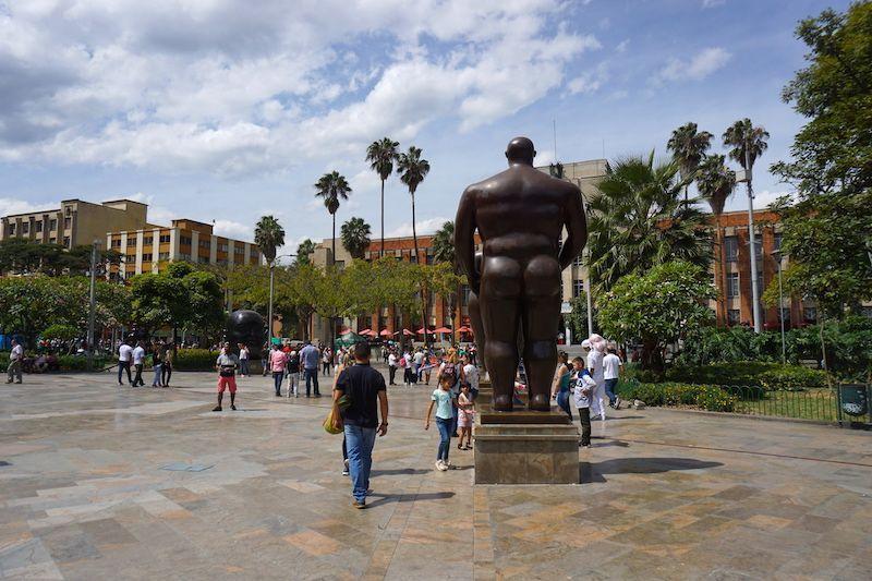 Plaza Botero y culete