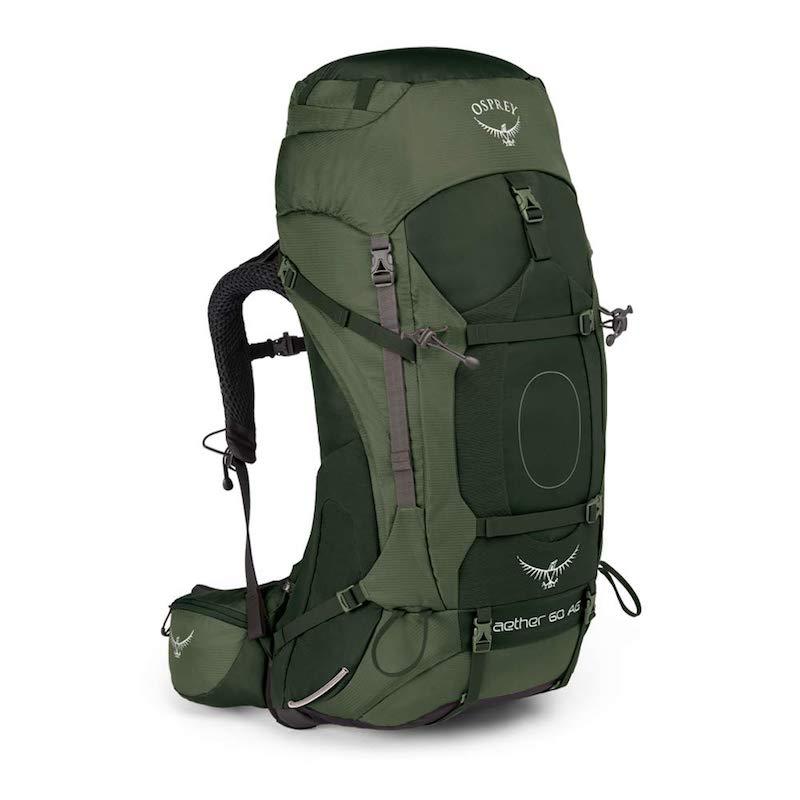 La mochila Osprey de 60L nos parece de las mejores opciones del mercado: resistente, ajustable y con el tamaño adecuado. Más litros se vuelve demasiado pesada.
